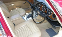 1968 Jaguar XJ6 Wallpaper
