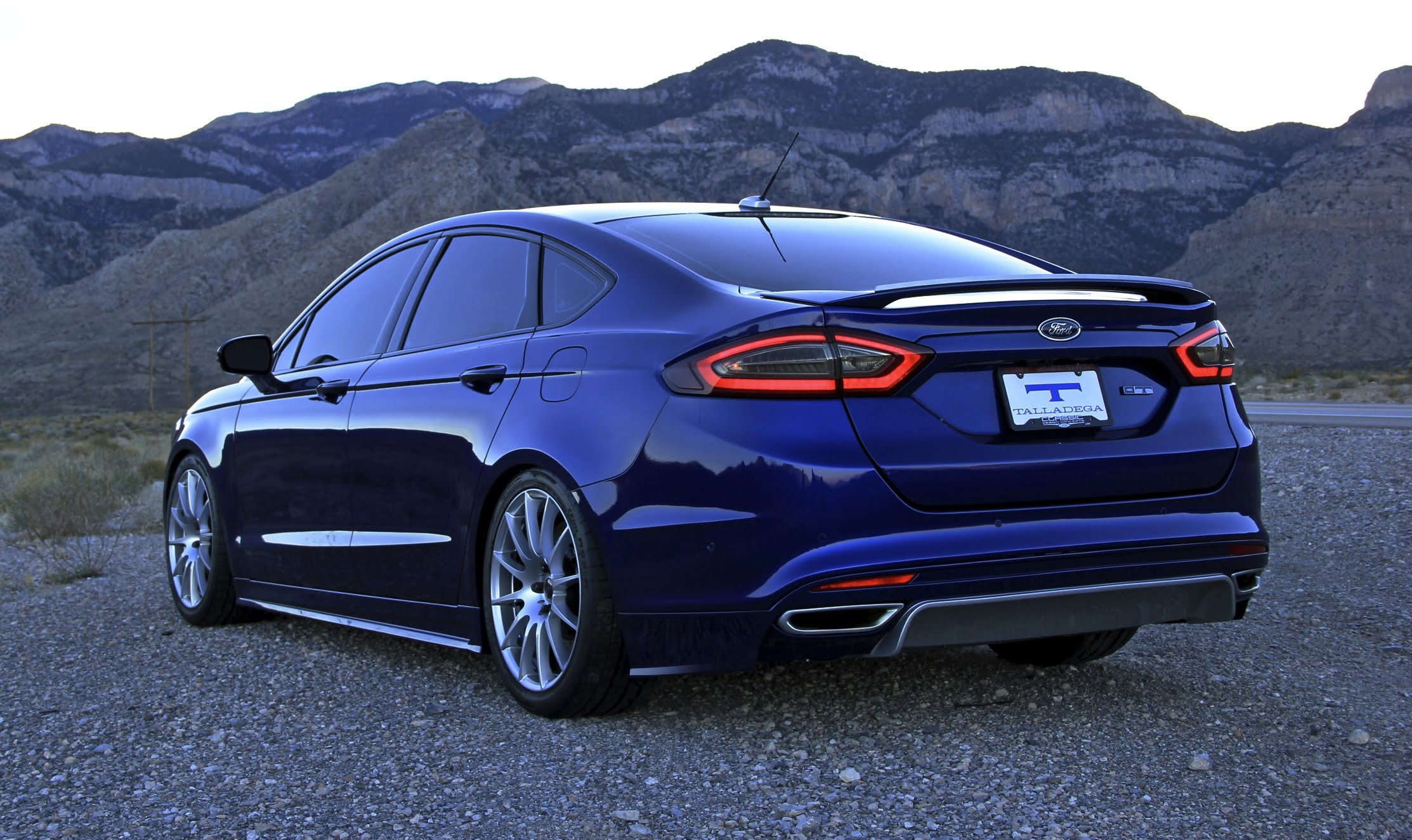 2013 Ford Fusion Wallpaper