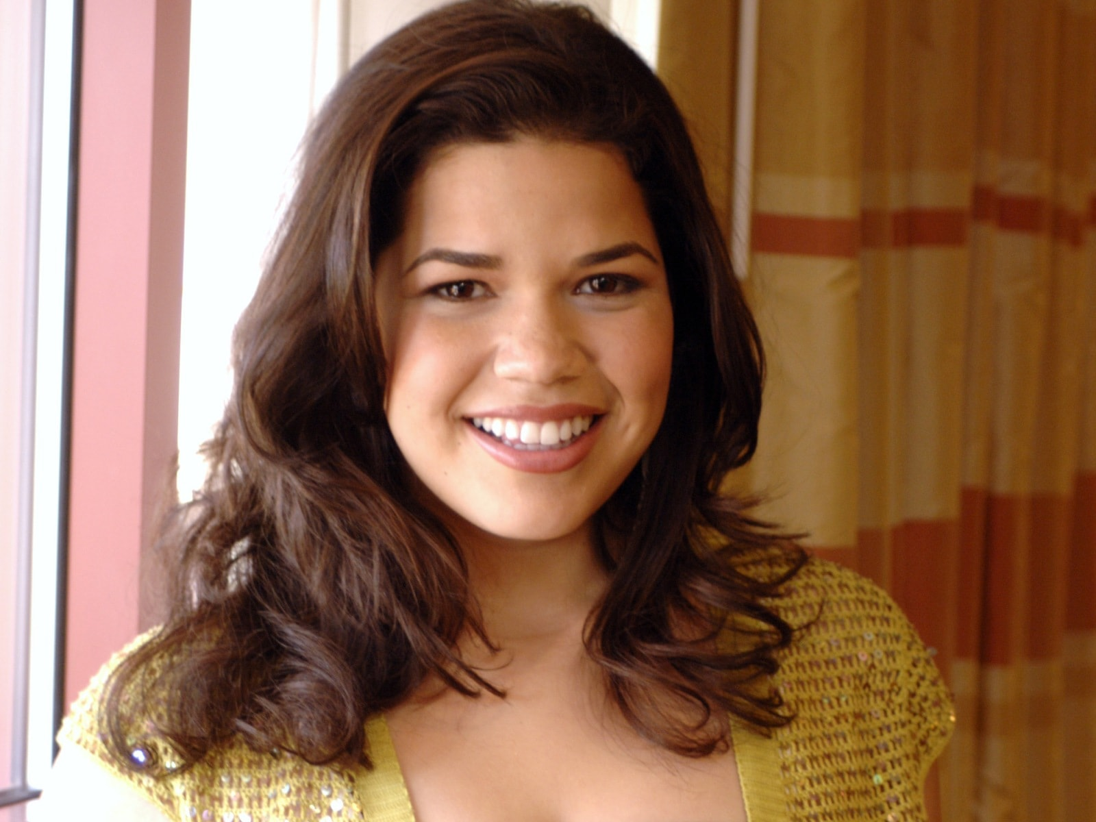 America Ferrera Wallpaper