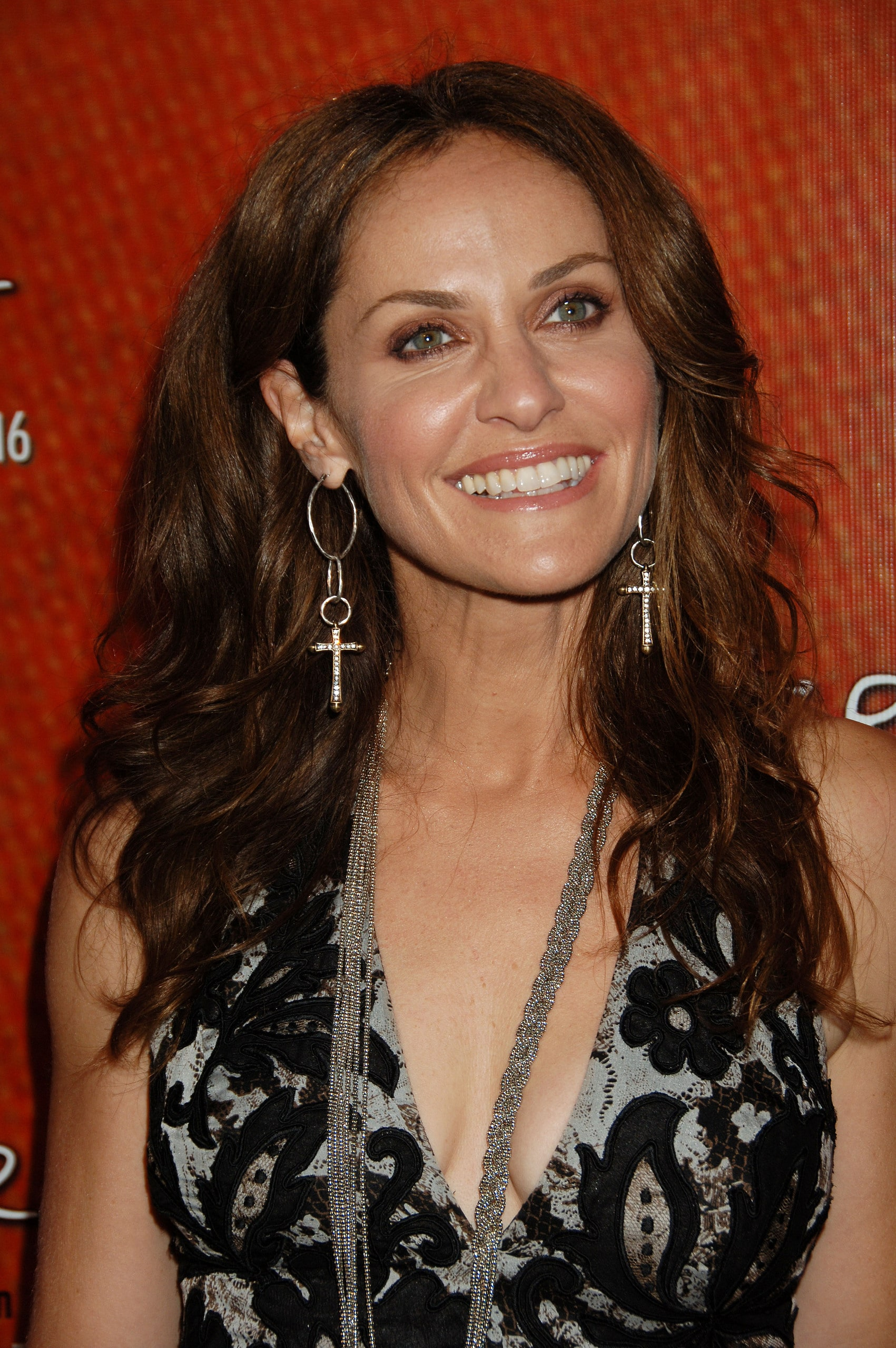 Amy Brenneman Backgrounds