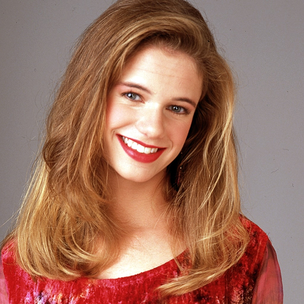 Andrea Barber Wallpaper
