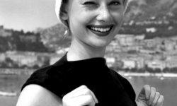 Audrey Hepburn Wallpaper