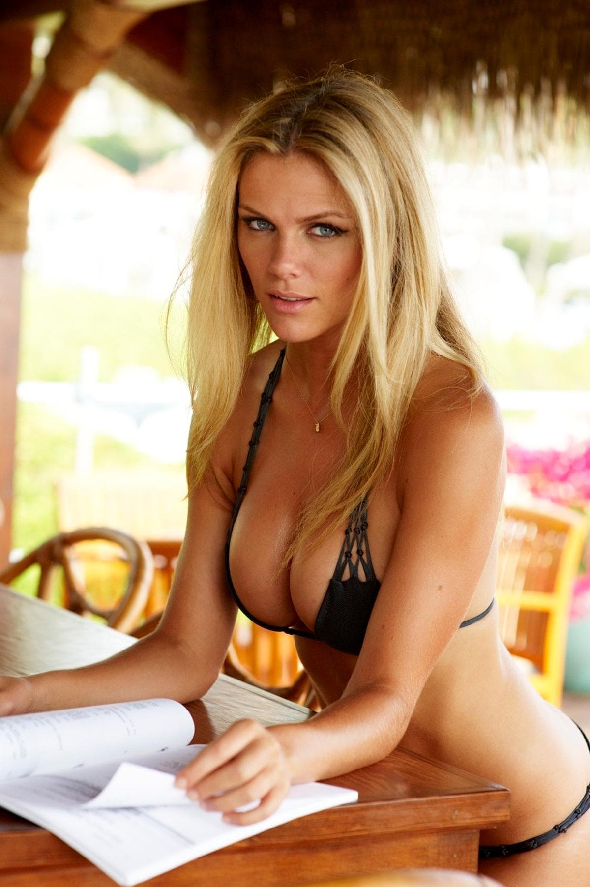 Brooklyn Decker Wallpaper