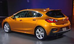 Chevrolet Cruze 2 Hatchback Wallpaper
