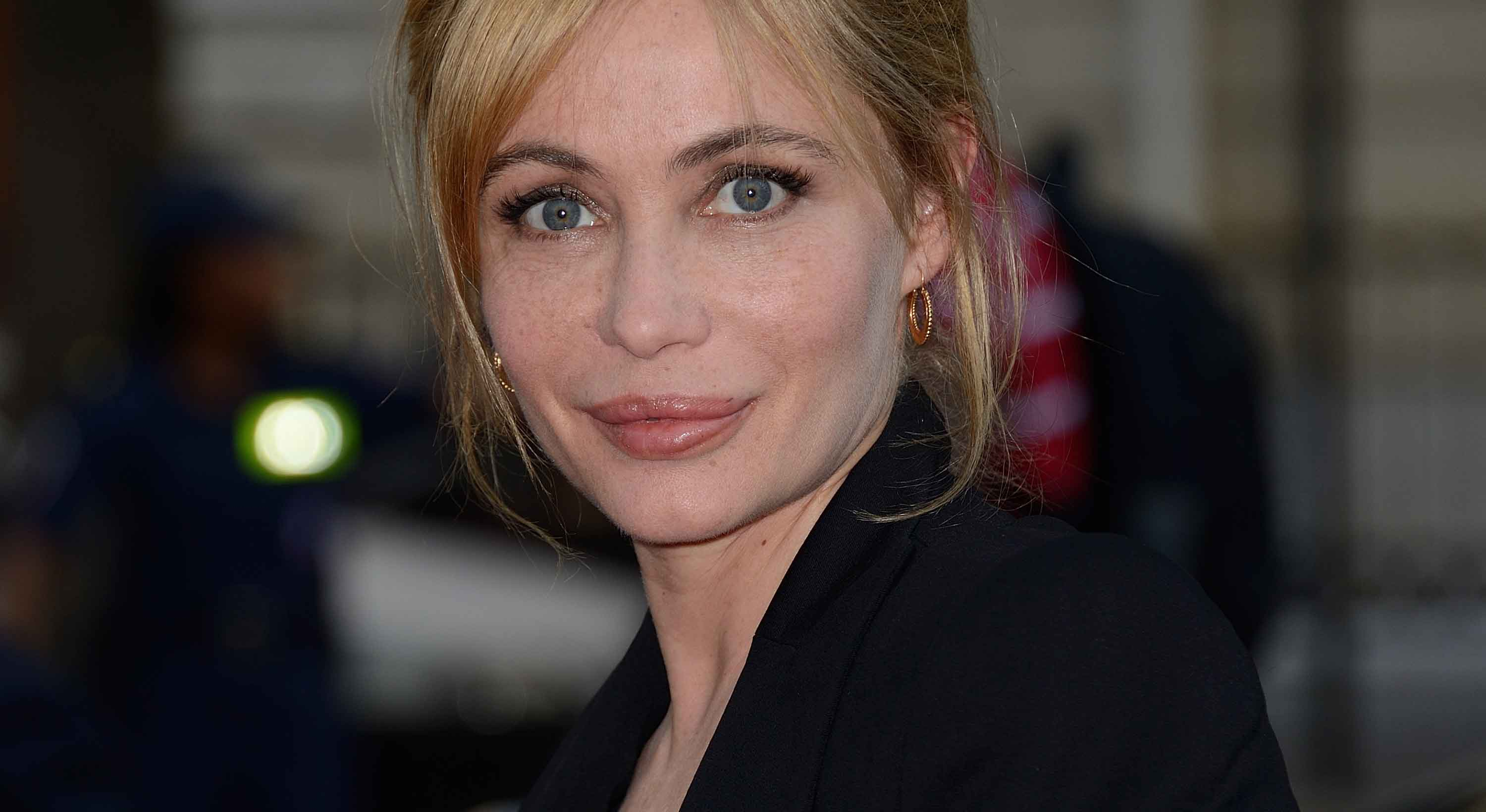 Emmanuelle Beart Wallpaper