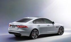 Jaguar XF 2 Wallpaper