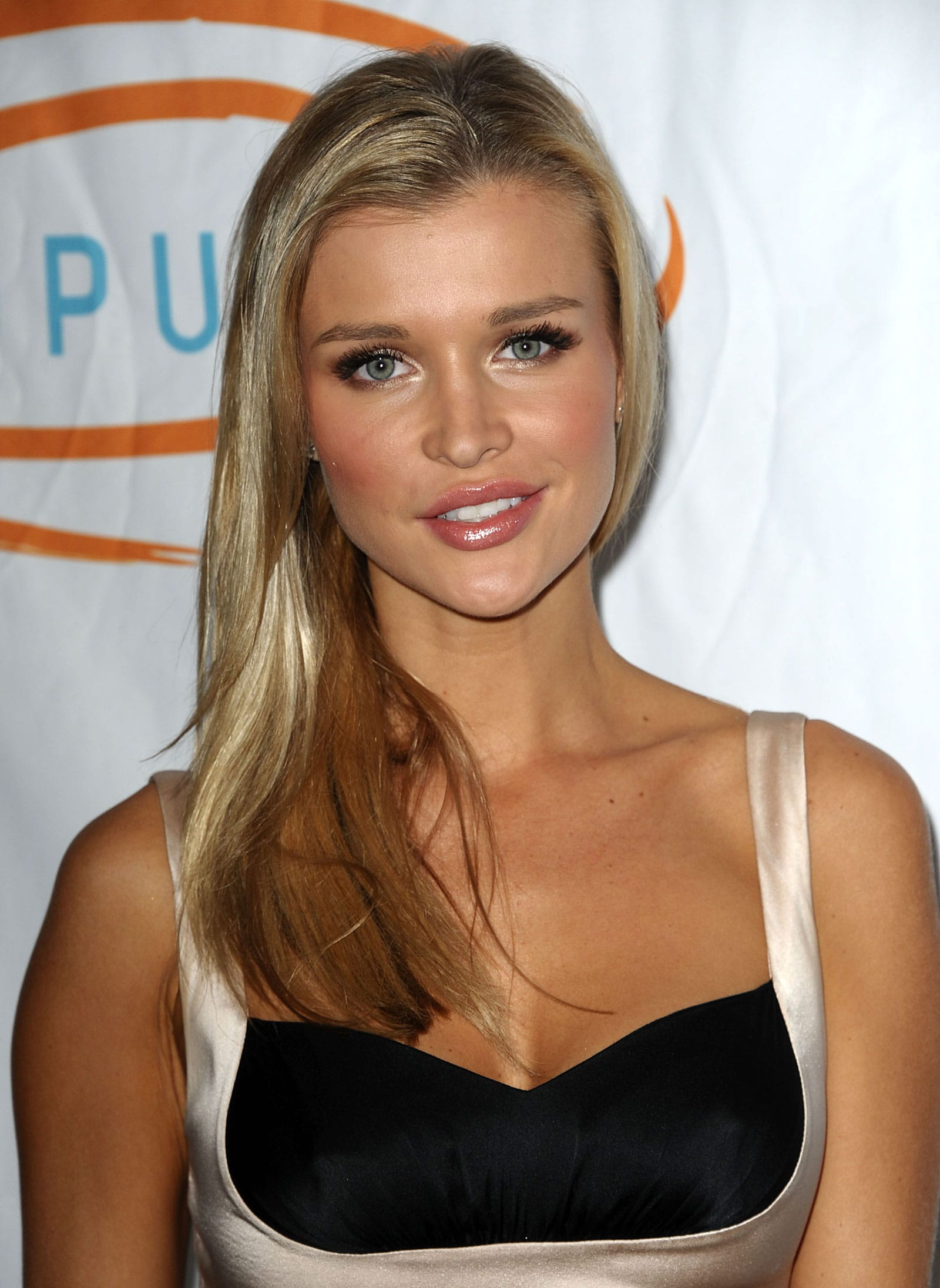 Joanna Krupa For mobile