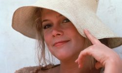 Kathleen Turner Wallpaper