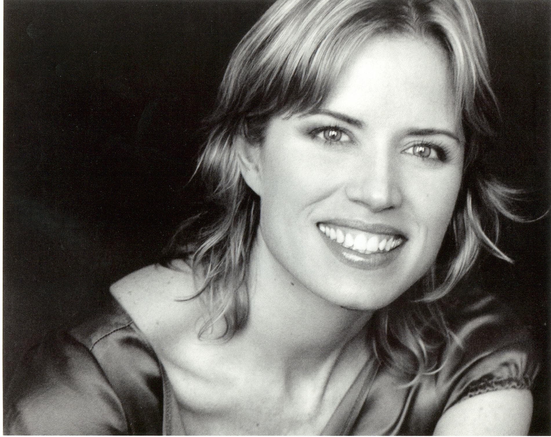 Kim Dickens Wallpaper
