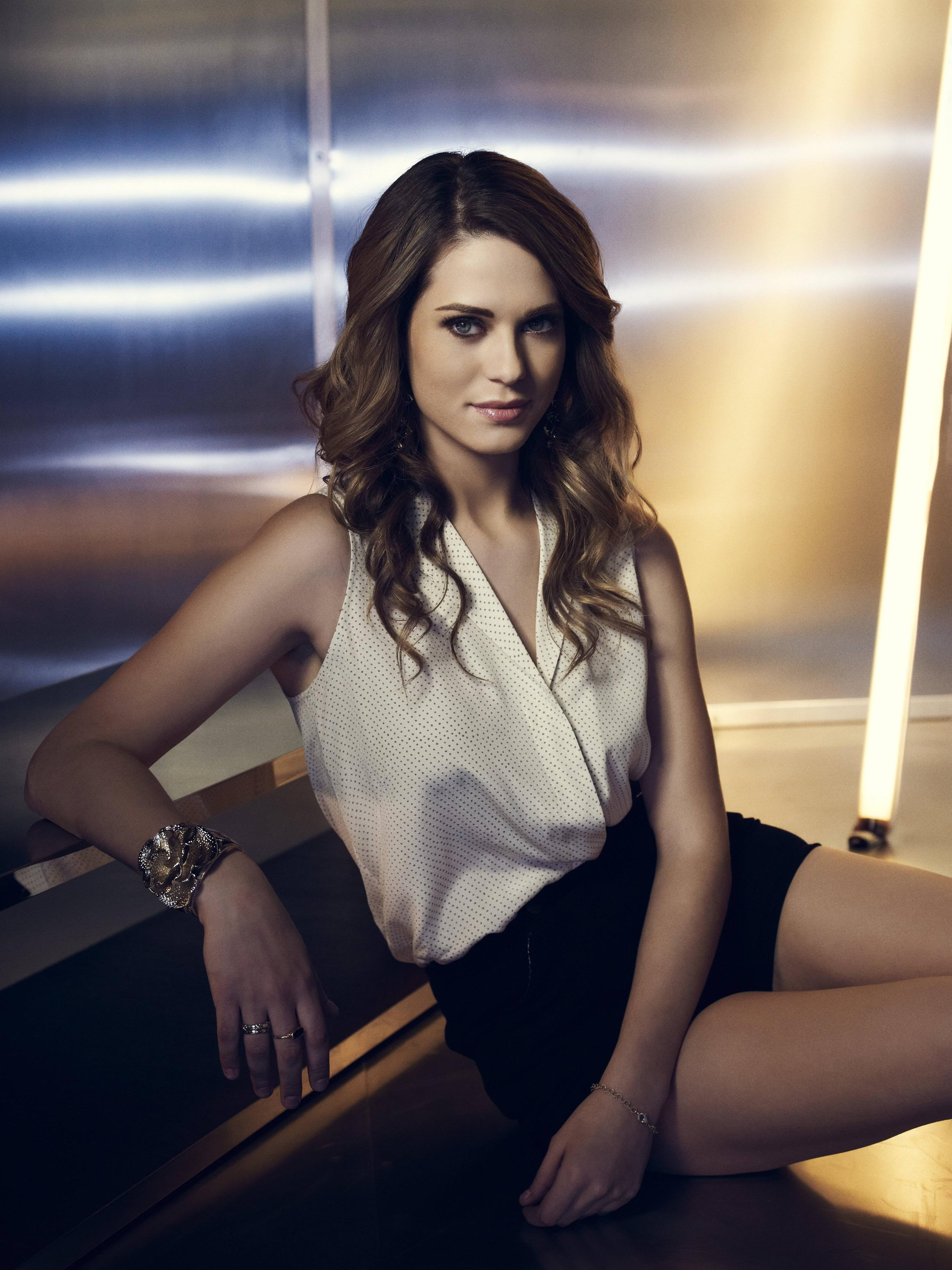Lyndsy Fonseca Wallpaper