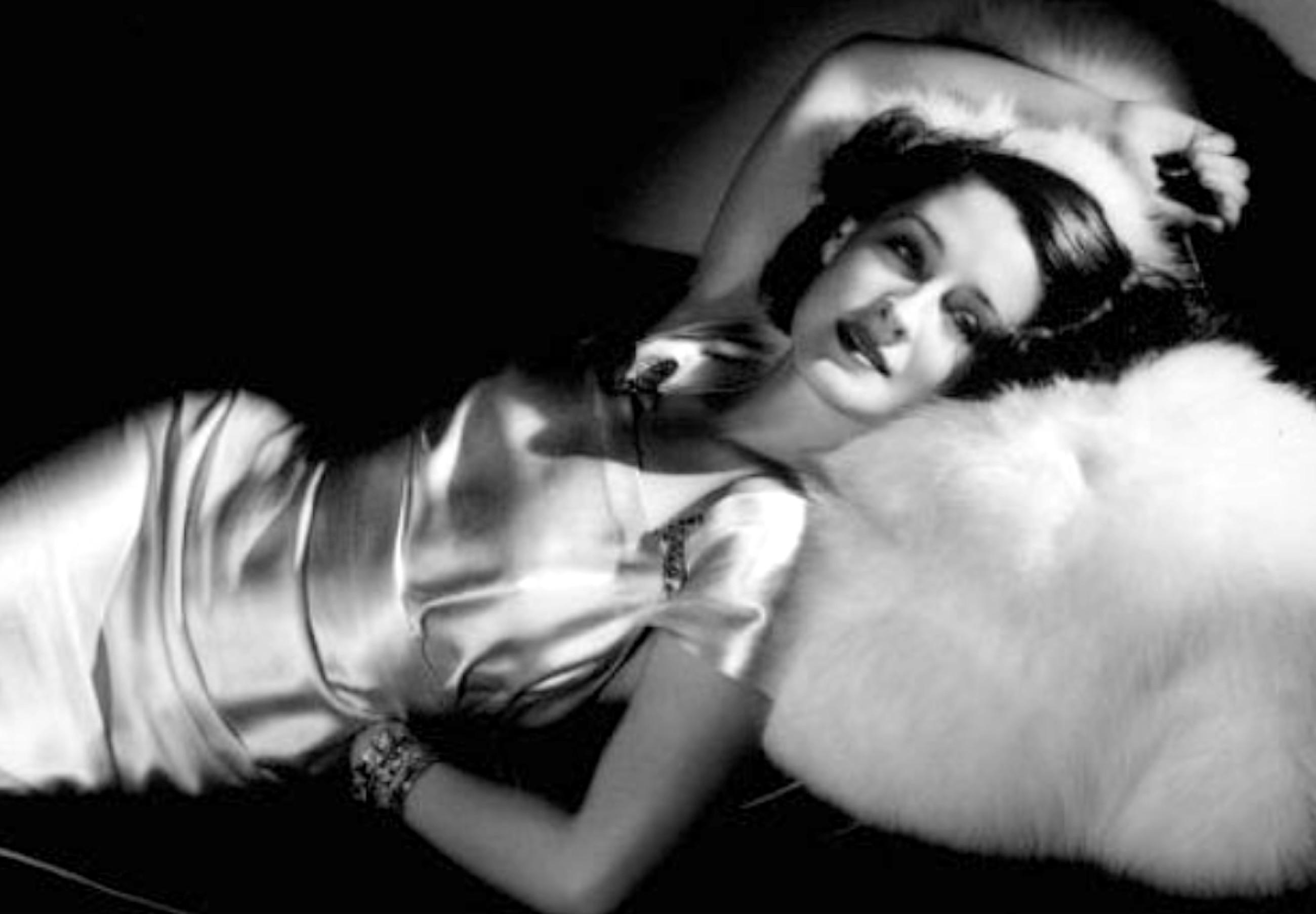 Norma Shearer Wallpaper