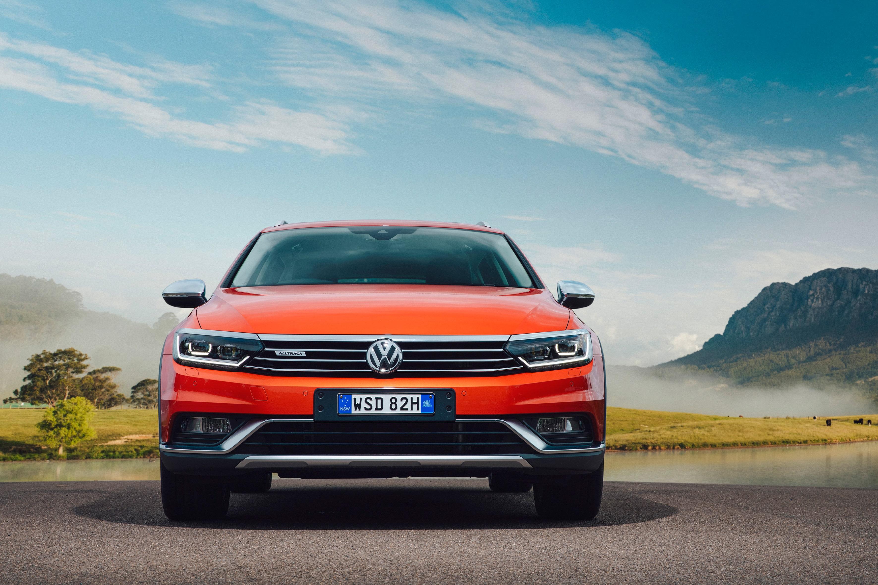 Volkswagen Passat B8 Alltrack Wallpaper
