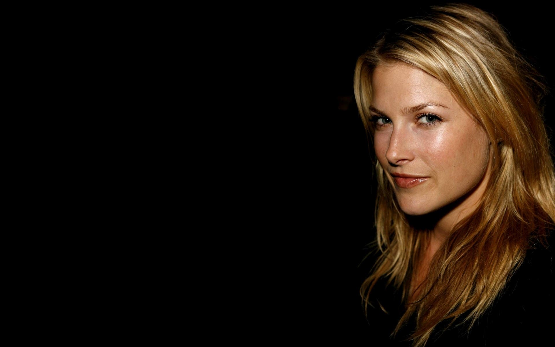 Ali Larter Full hd wallpapers