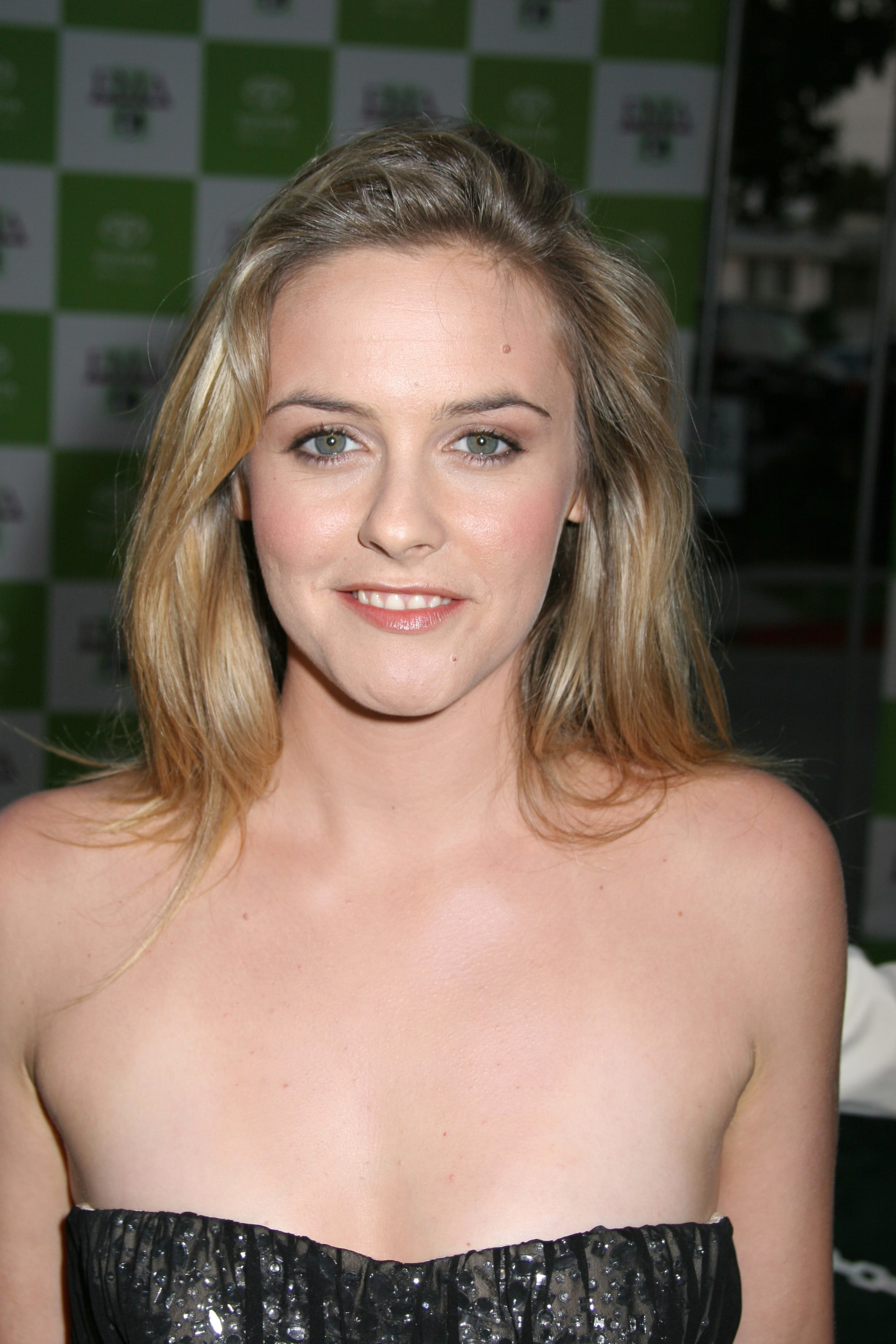 Alicia Silverstone HD pictures