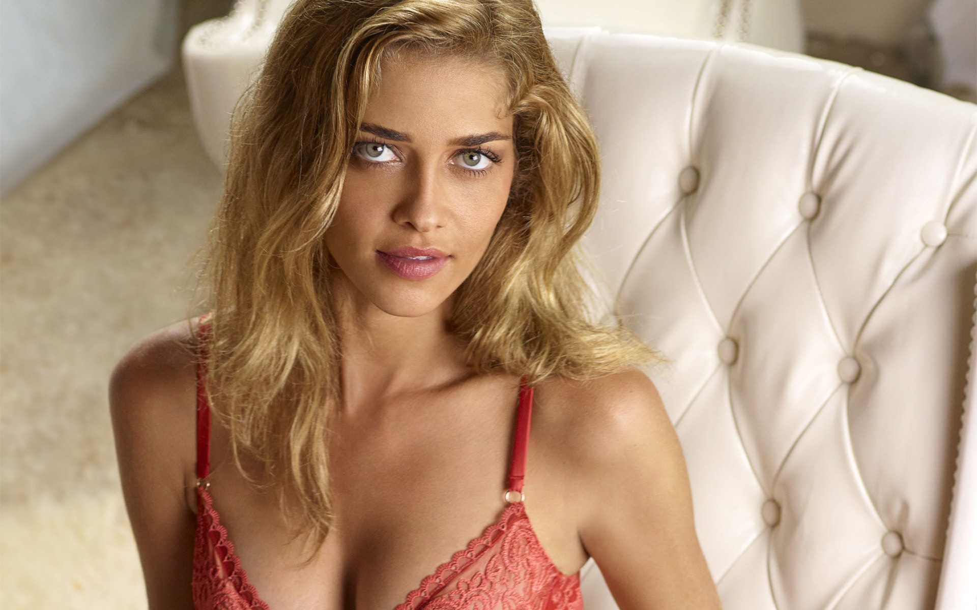 Ana Beatriz Barros HD pictures