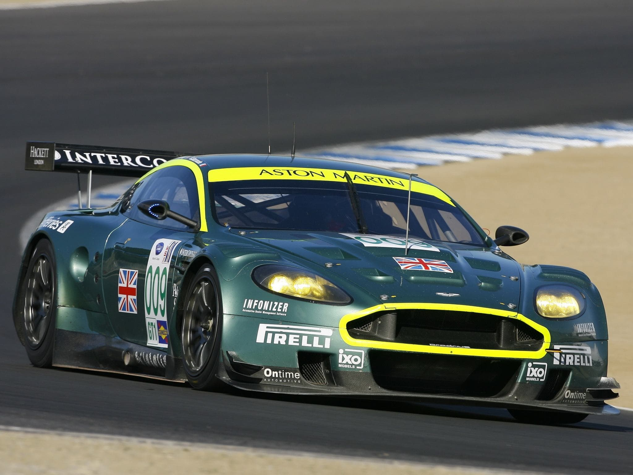 Aston Martin DBR9 HD pictures