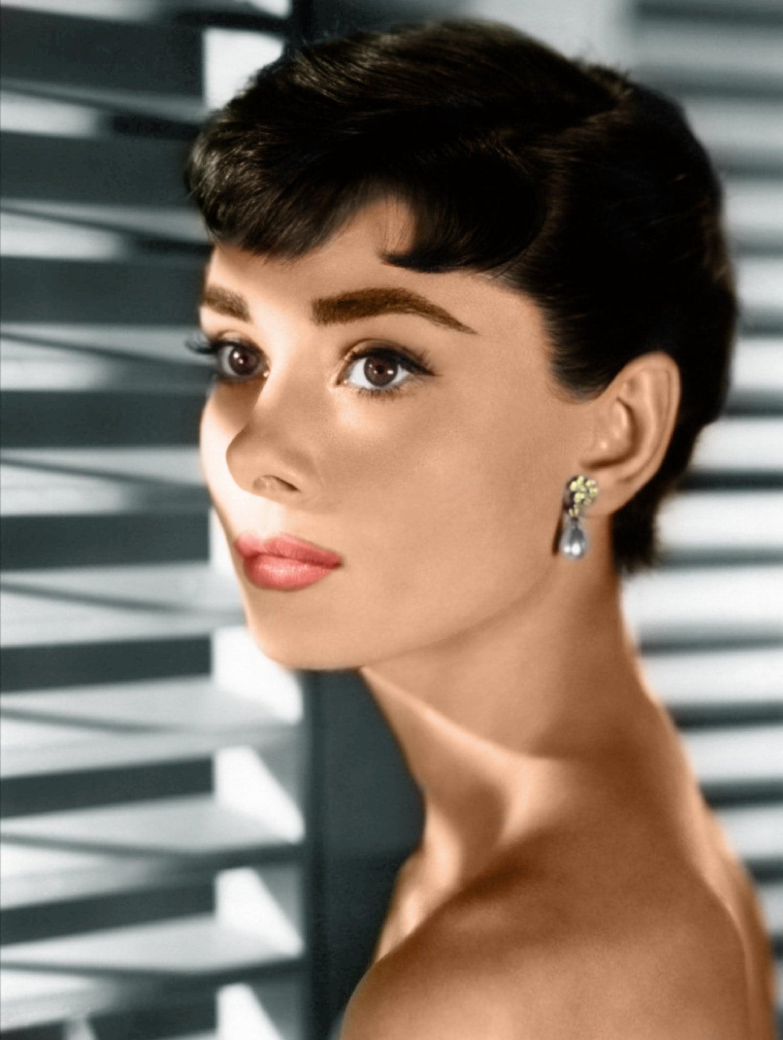 Audrey Hepburn HD pictures