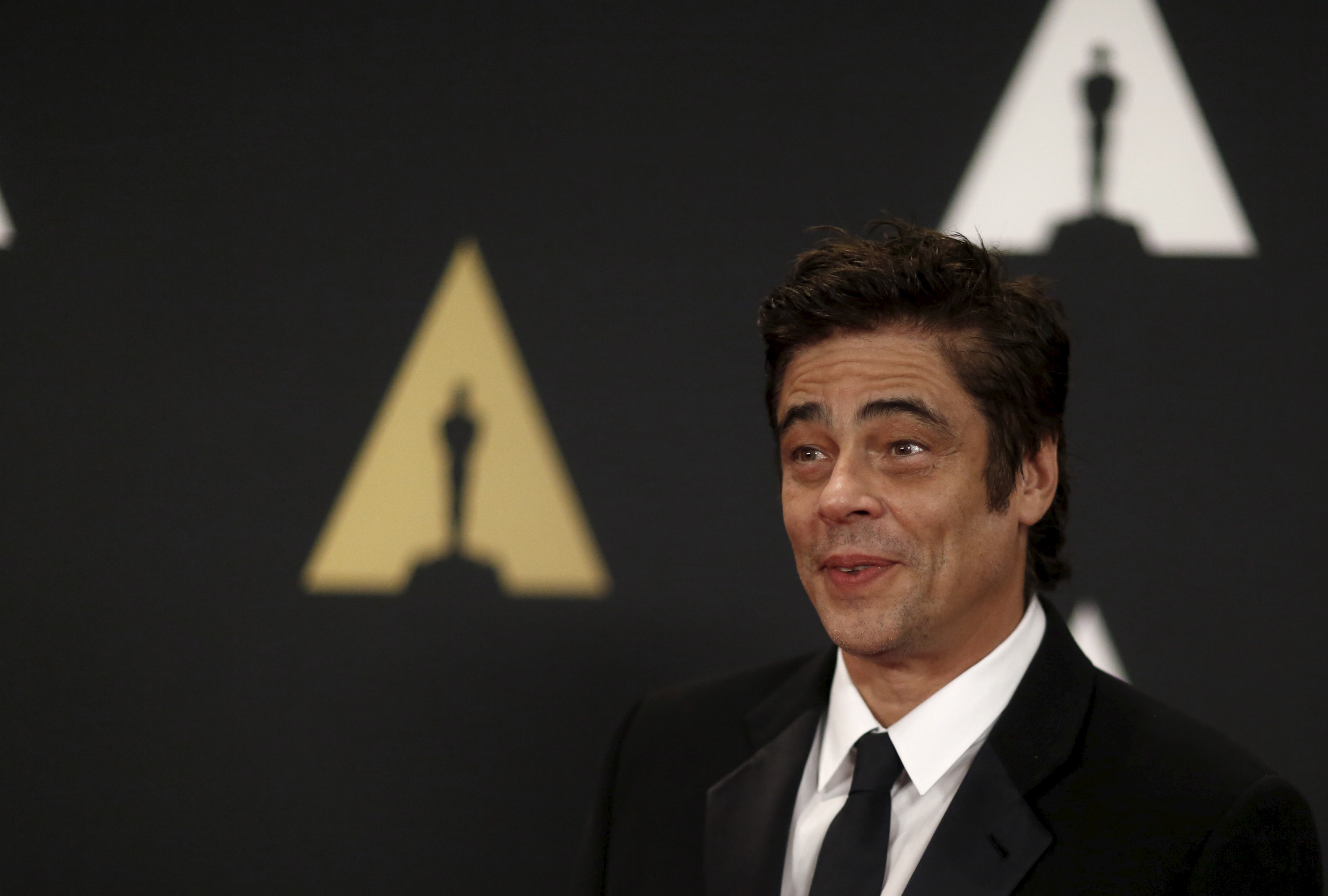Benicio Del Toro Backgrounds