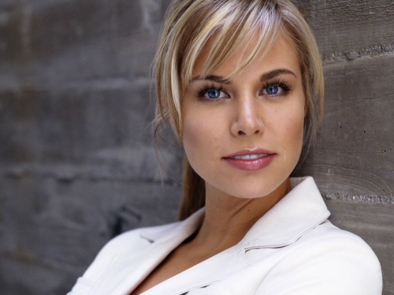 Brooke Burns HD pictures