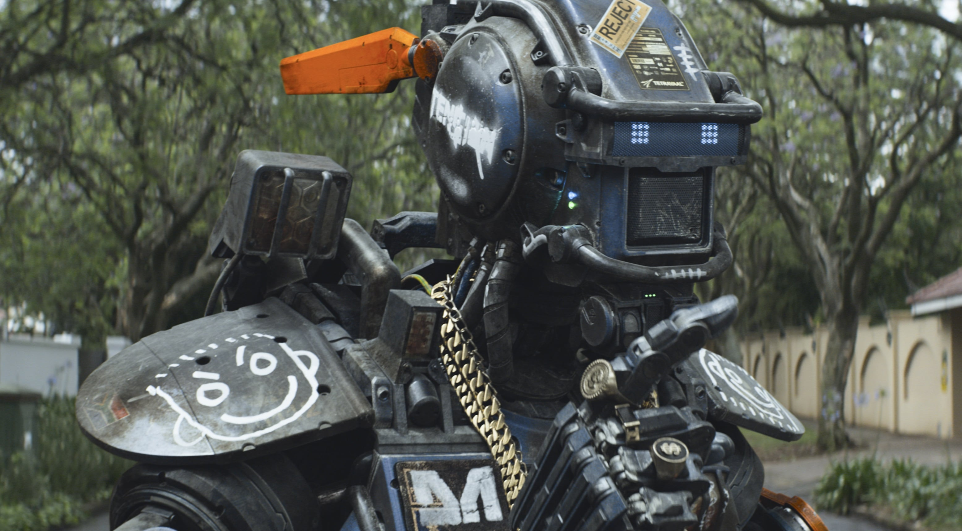 Chappie HD pictures