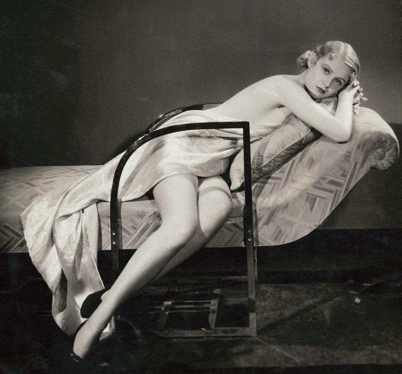 Gloria Stuart Backgrounds