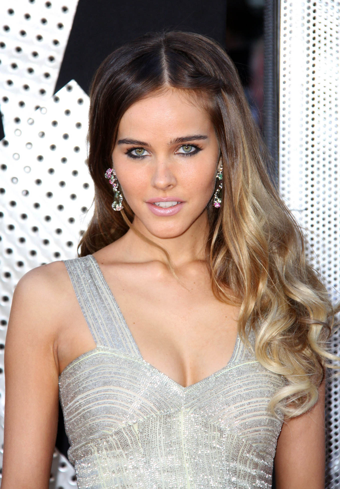 Isabel Lucas HD pictures