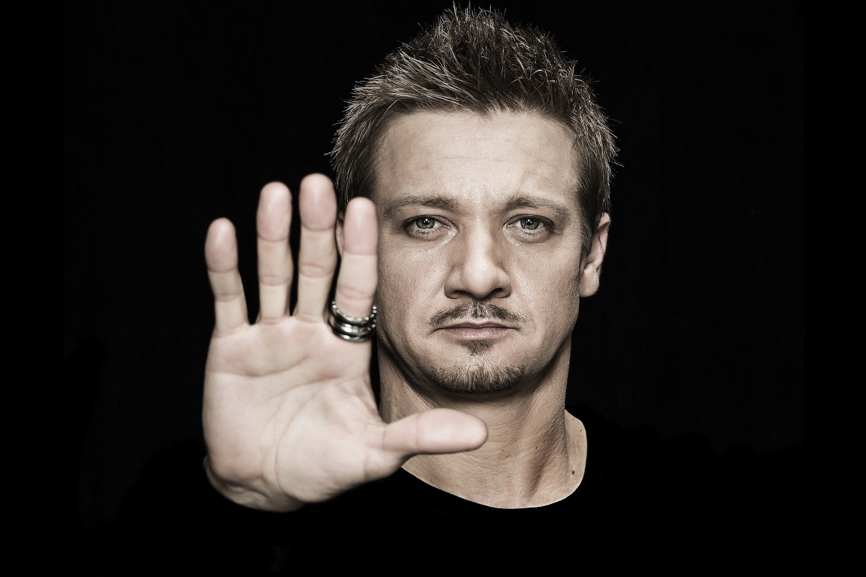 Jeremy Renner Full hd wallpapers