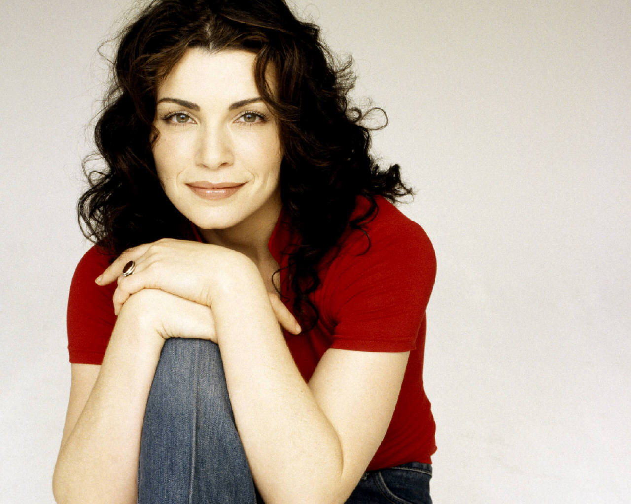 Julianna Margulies widescreen wallpapers