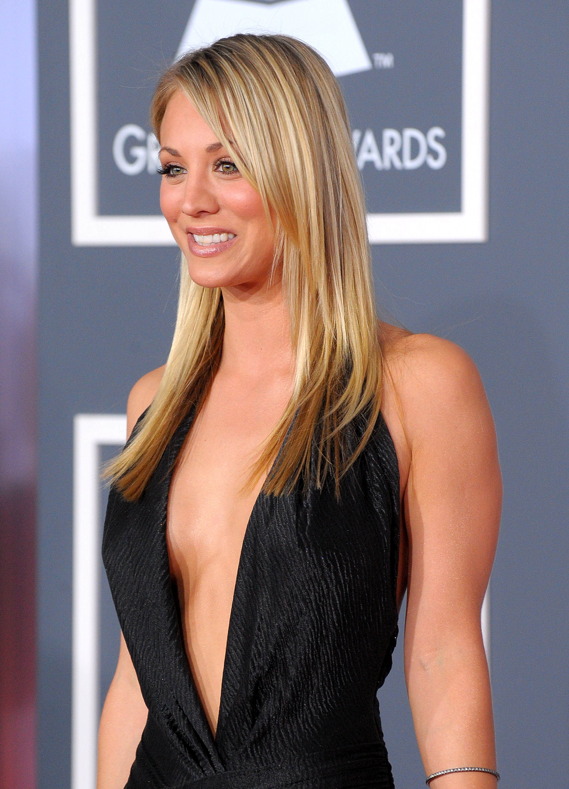 Kaley Cuoco Full hd wallpapers