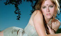 Kathleen Robertson HD pictures