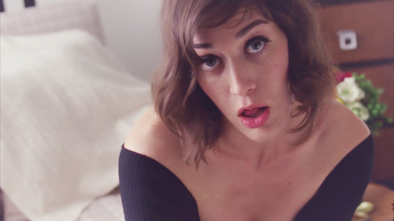 Lizzy Caplan HD pictures