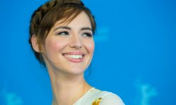 Louise Bourgoin HD pictures