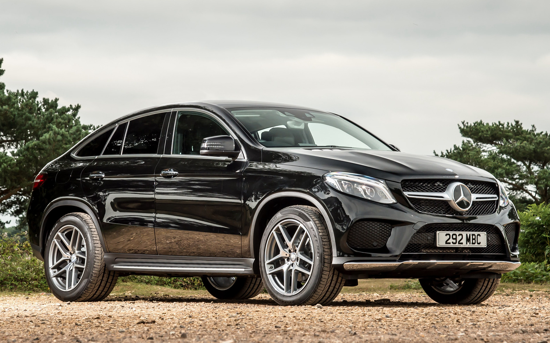 Mercedes-Benz GLE coupe widescreen for desktop