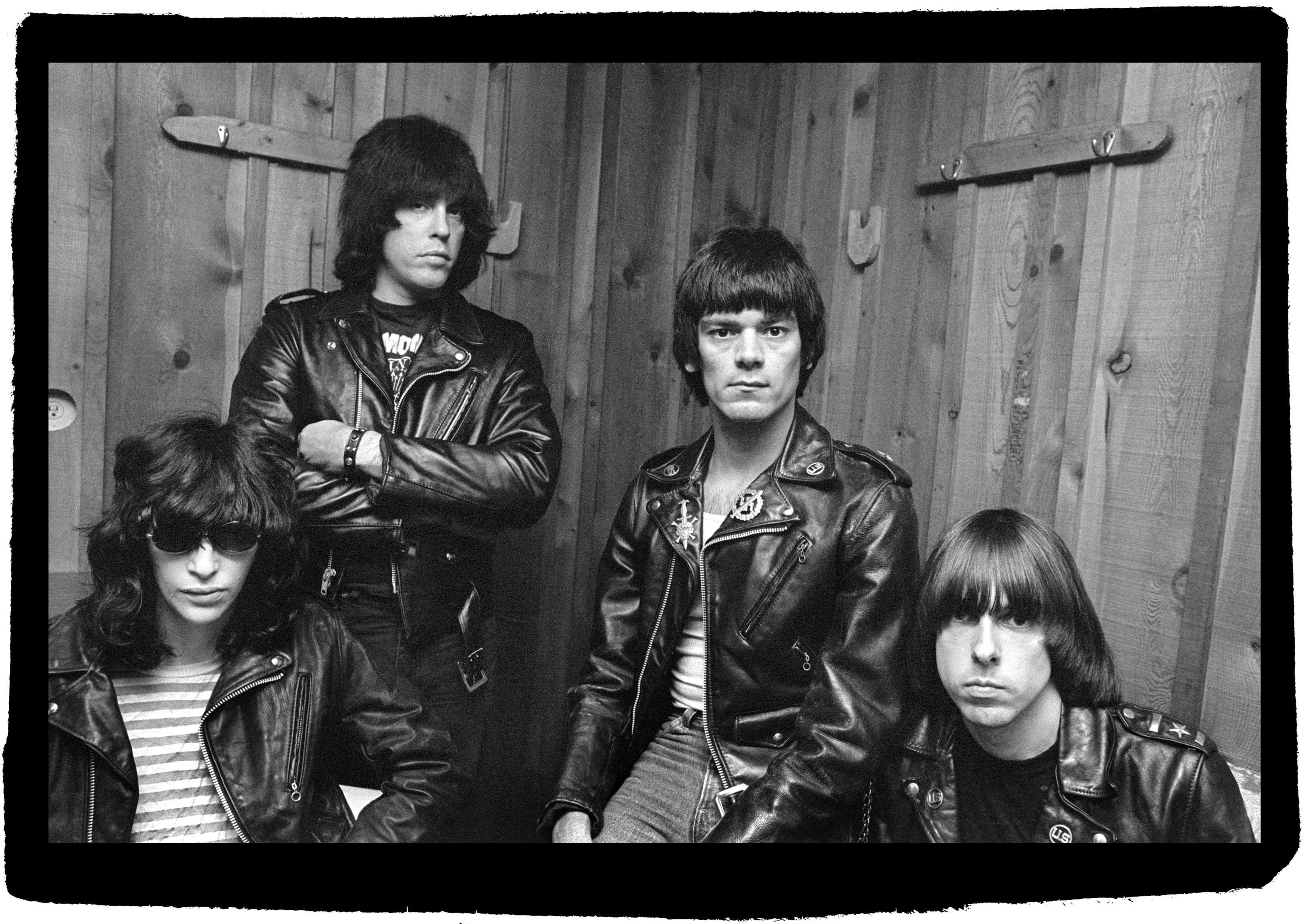 Ramones Backgrounds