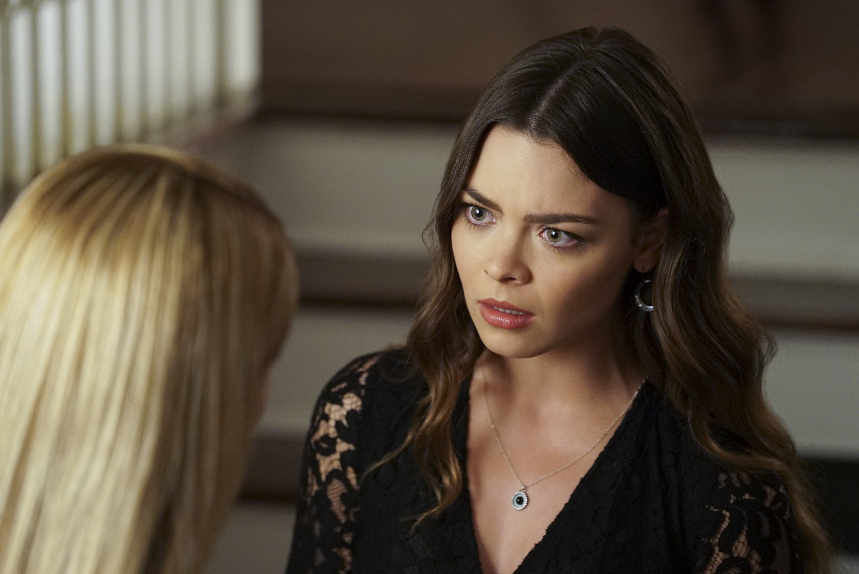 Scarlett Byrne HD pictures