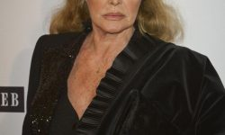 Ursula Andress HD pictures