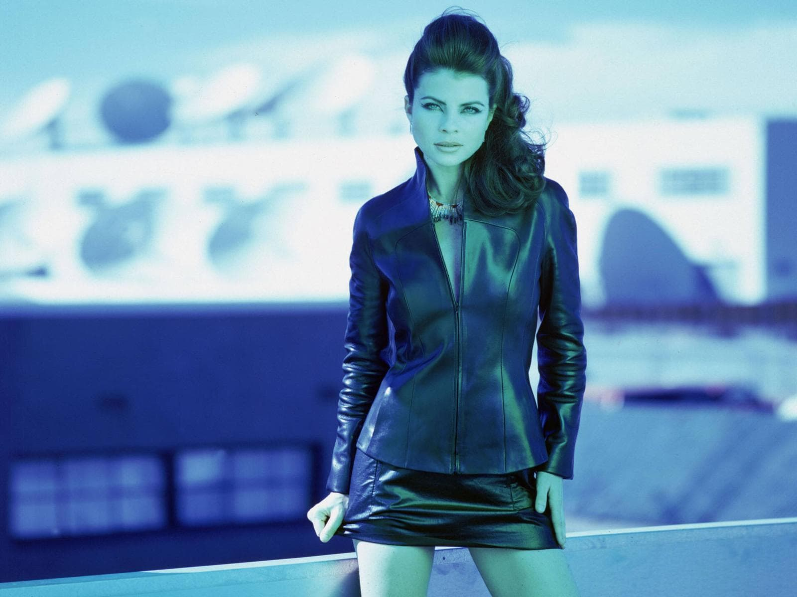 Yasmine Bleeth HD pictures
