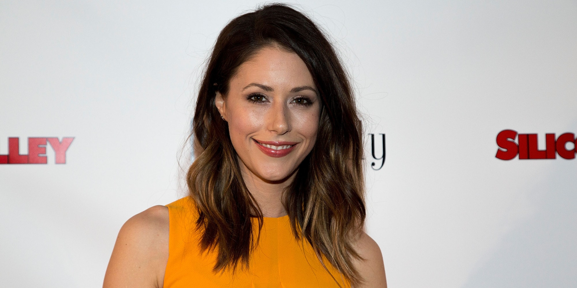 Amanda Crew Full hd wallpapers