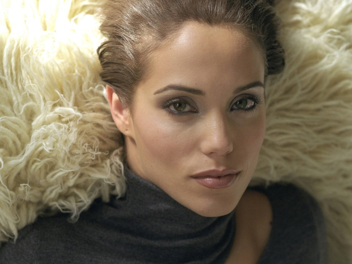Elizabeth Berkley Full hd wallpapers