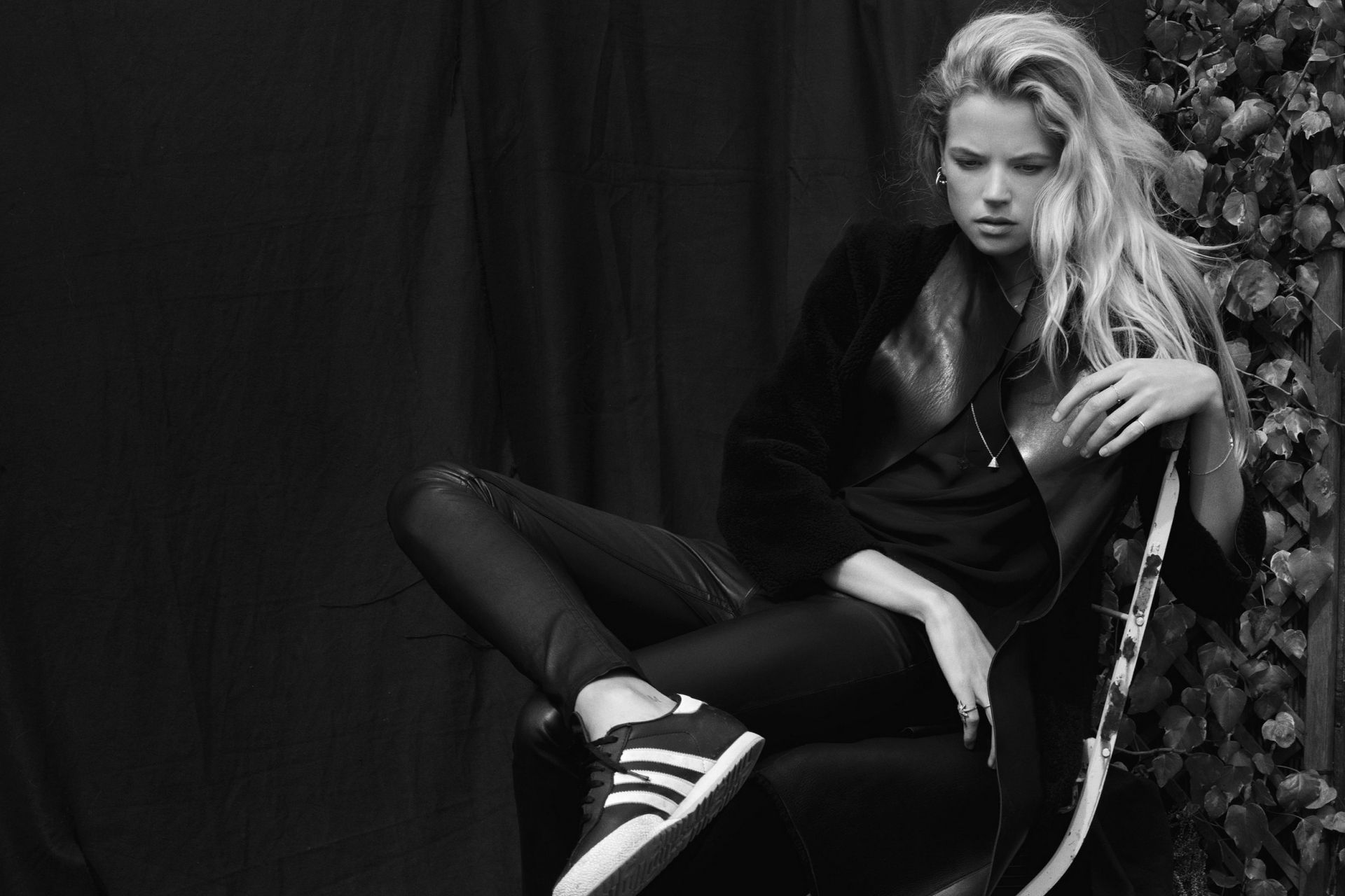Gabriella Wilde Desktop wallpapers