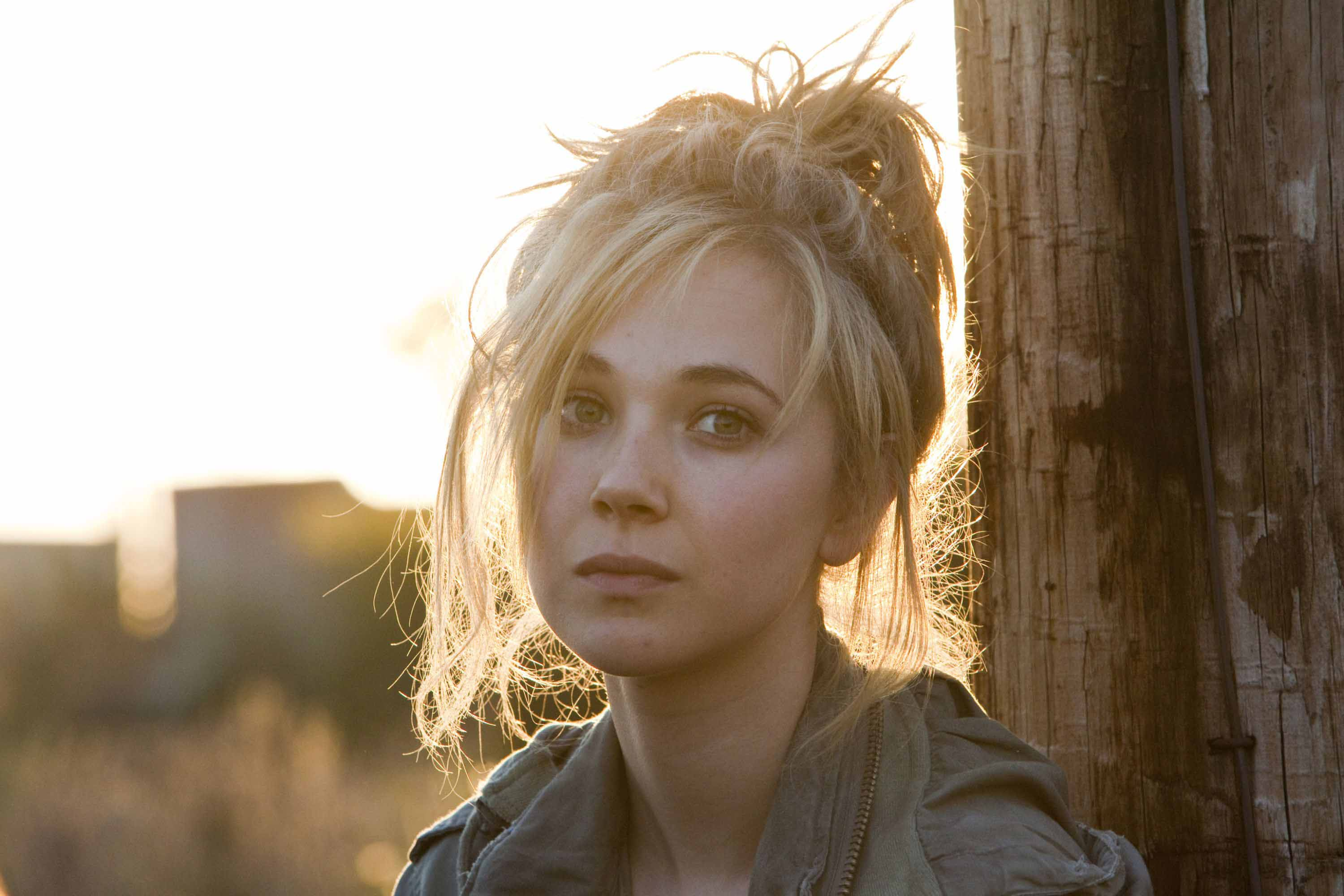 Juno Temple Full hd wallpapers