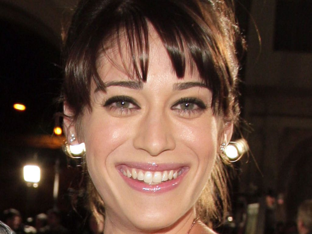 Lizzy Caplan Full hd wallpapers