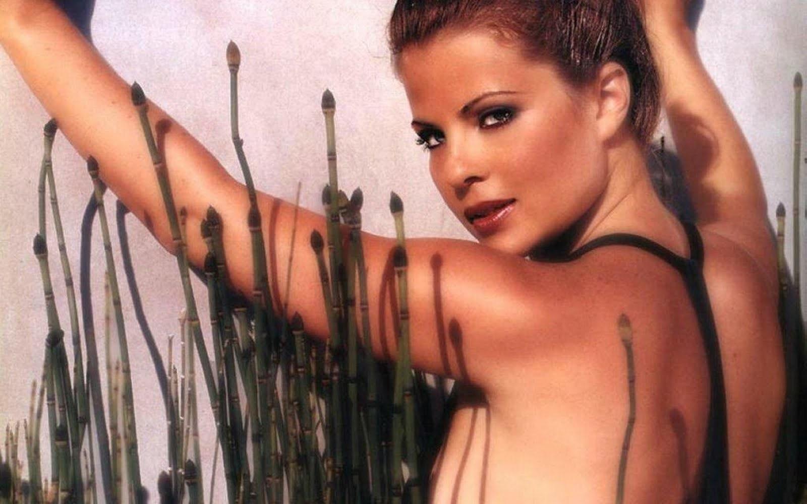 Yasmine Bleeth Full hd wallpapers