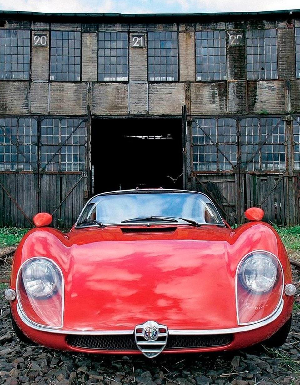 Alfa Romeo Tipo 33 Stradale For mobile