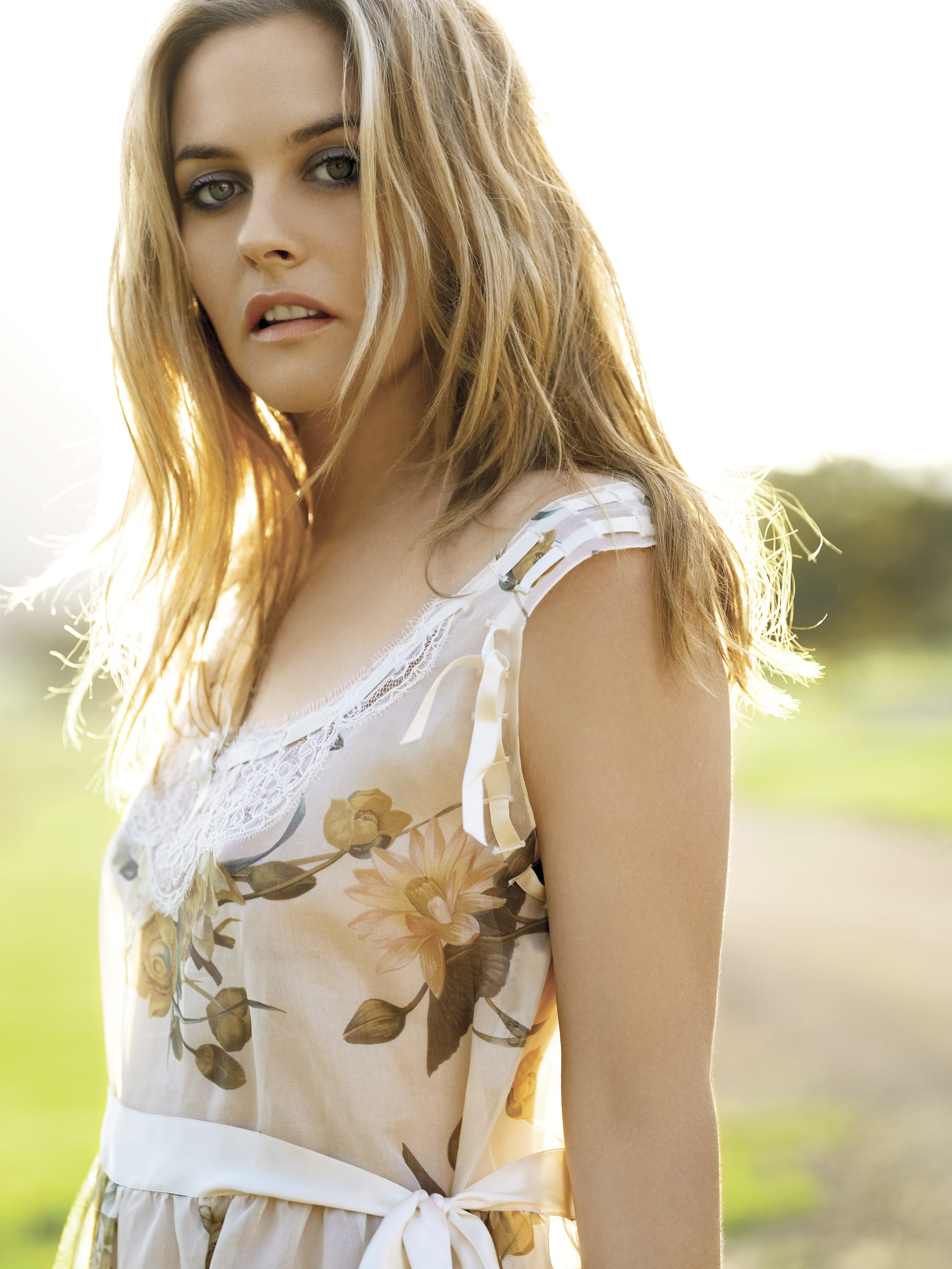 Alicia Silverstone For mobile