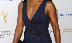 Angela Bassett For mobile