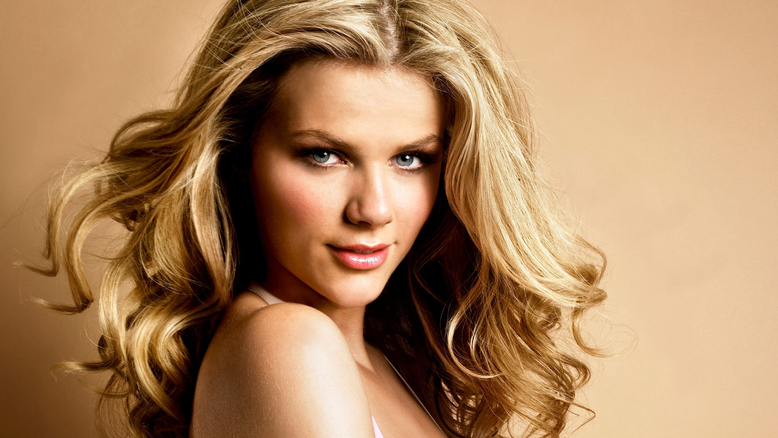Brooklyn Decker Widescreen for desktop