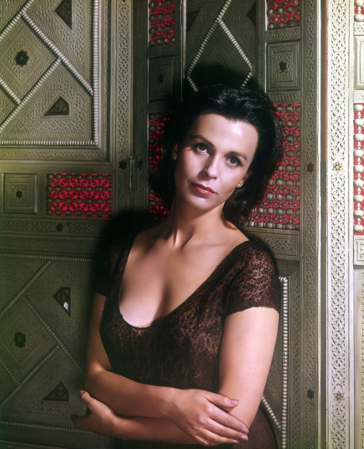 Claire Bloom For mobile