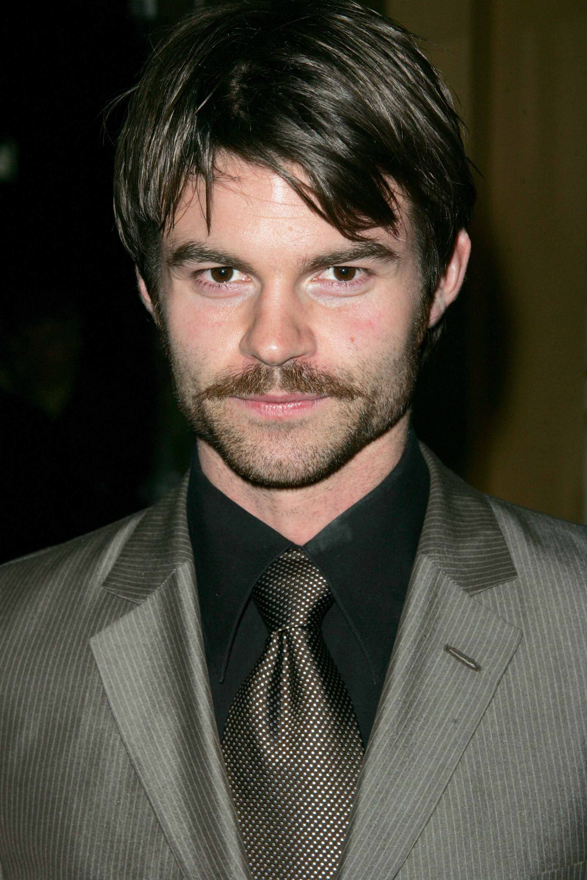 Daniel Gillies For mobile