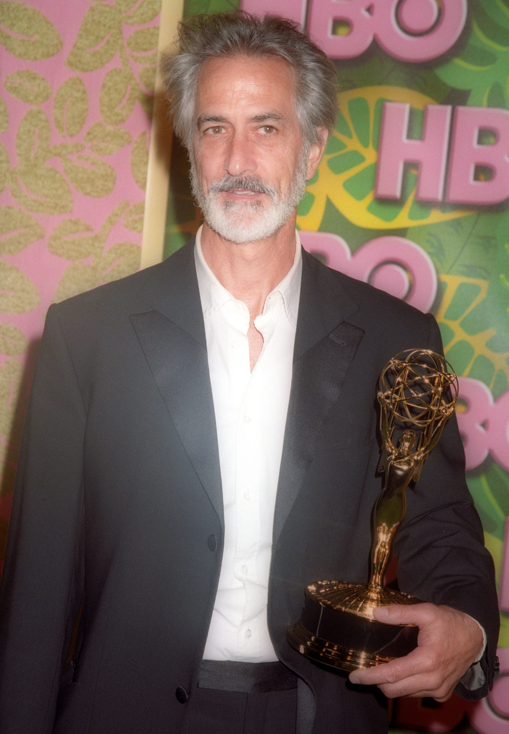 David Strathairn For mobile